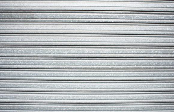Les rideaux métalliques, comment éviter qu'ils tombent en panne