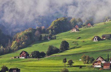 maison suisse cottage montagne arbres