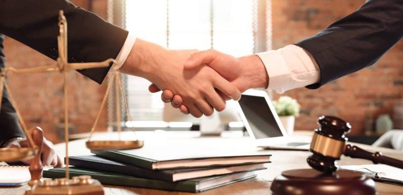 Quelles sont les missions d'un avocat en droit public?