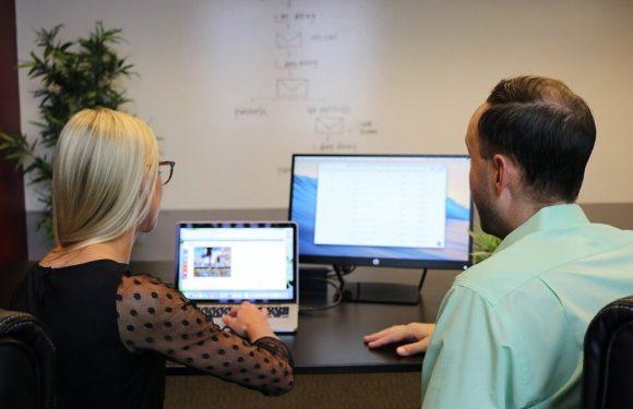 Quelle est la différence entre une agence de développement mobile et un freelance??