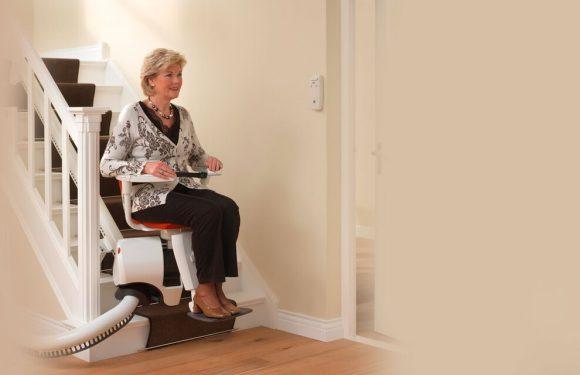 Choisir le monte-escalier pour optimiser l'indépendance des personnes âgées